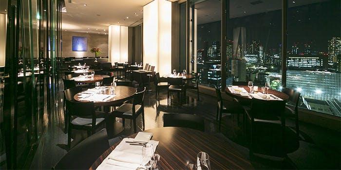 Restaurant Sky�^�O��K�[�f���z�e������v���~�A