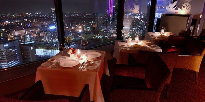 ウインドーズ オン ザ ワールド/ヒルトン大阪 最上階(35階)