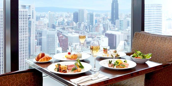 ウインドーズ オン ザ ワールド/ヒルトン大阪 最上階(35階) 4枚目の写真