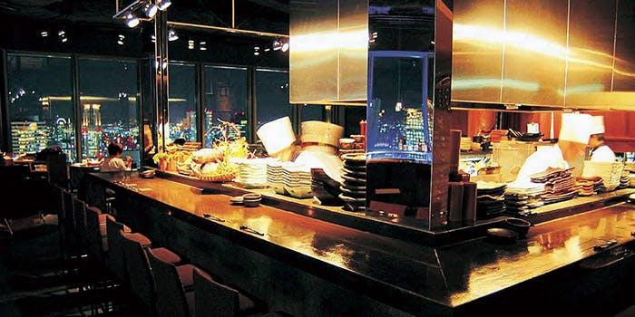 ダイナミックキッチン&バー 燦−SUN−  大阪店 4枚目の写真