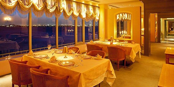 フレンチレストラン シュールラメール/東京ベイ舞浜ホテル クラブリゾート 1枚目の写真