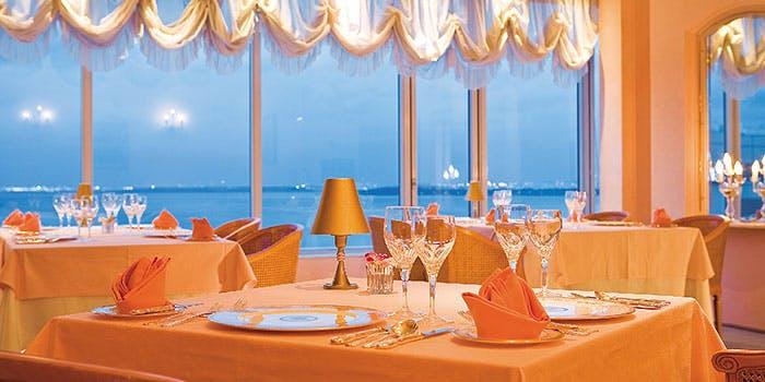 フレンチレストラン シュールラメール/東京ベイ舞浜ホテル クラブリゾート 2枚目の写真