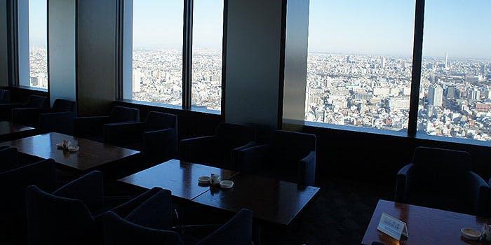 ホテルオークラスカイラウンジ オーキッド倶楽部/新宿野村ビル48F 3枚目の写真