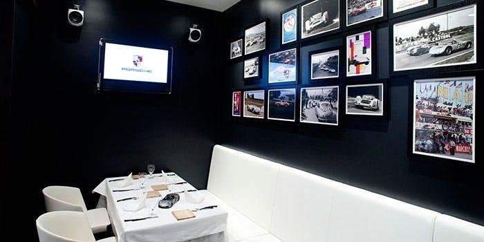 The Momentum by Porsche 3枚目の写真