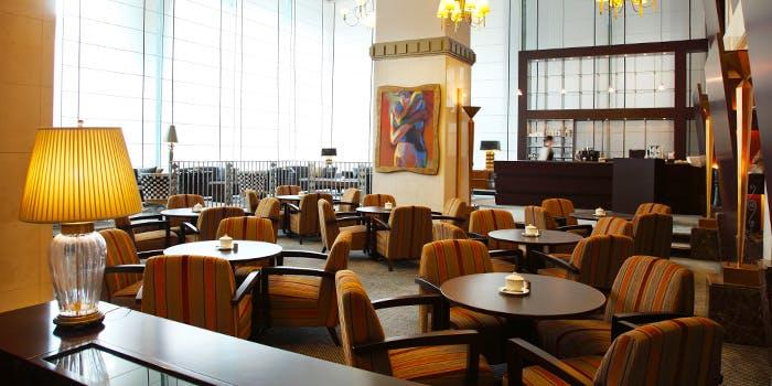 LOUNGE TEA&DINE�^ANA�N���E���v���U�z�e������