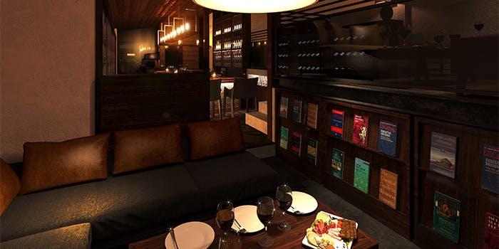 WINEBAR&DINING PETROS 3枚目の写真