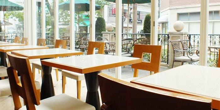カフェ ブルーノ・デル・ヴィーノ/ホテルトラスティ心斎橋