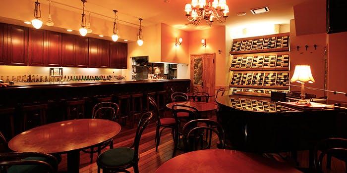 Wine Bar �Ԃ����