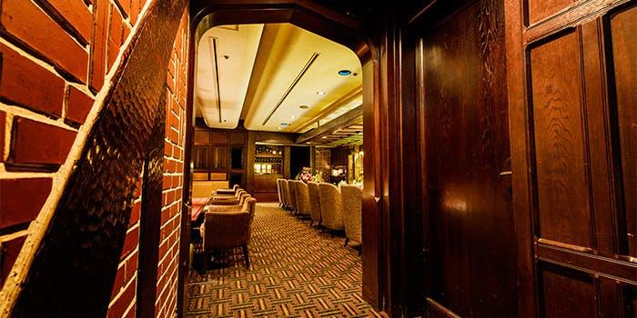 バー「カルーザル」/ホテルメトロポリタン エドモント 4枚目の写真