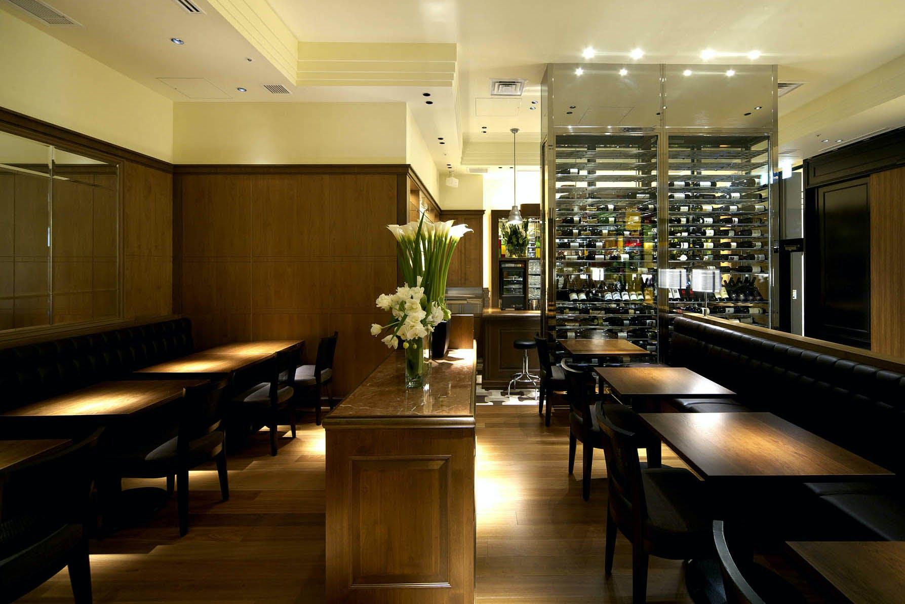 Roti American Wine Bar & Brasserie