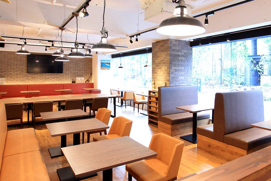 Cafe & Dining MONTAUK �`�����g�[�N�`