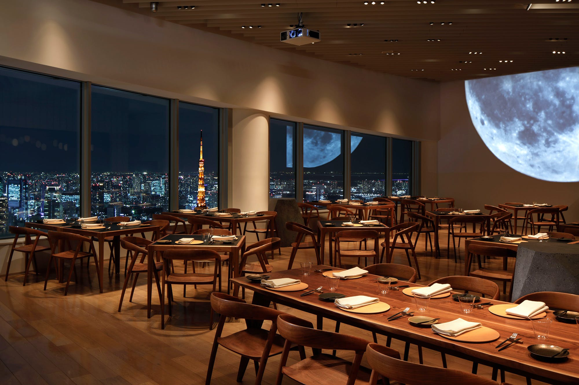 Museum Restaurant THE MOON�^�Z�{�؃q���Y�X�^���[52F