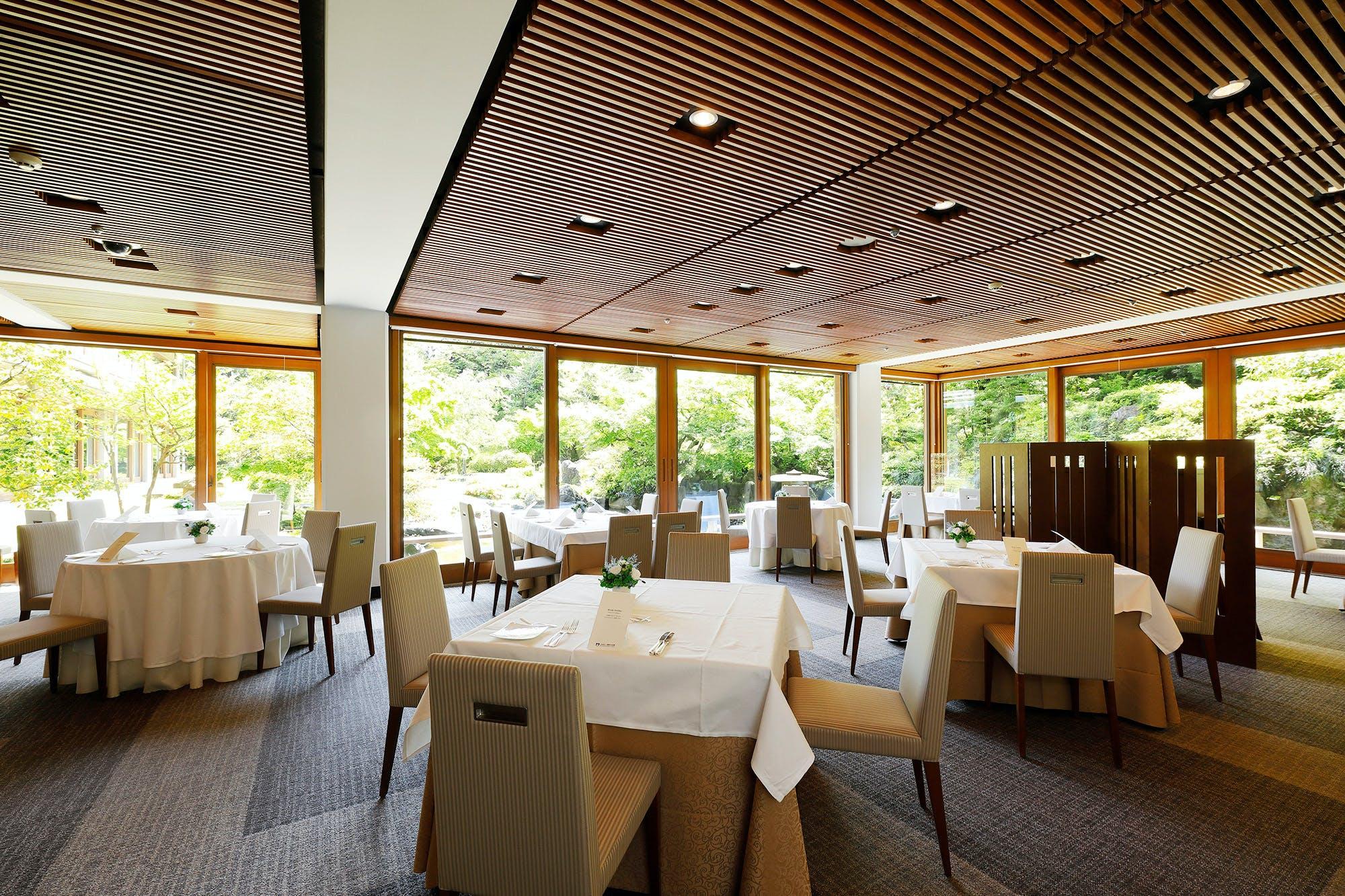 レストラン SAKURA/国際文化会館