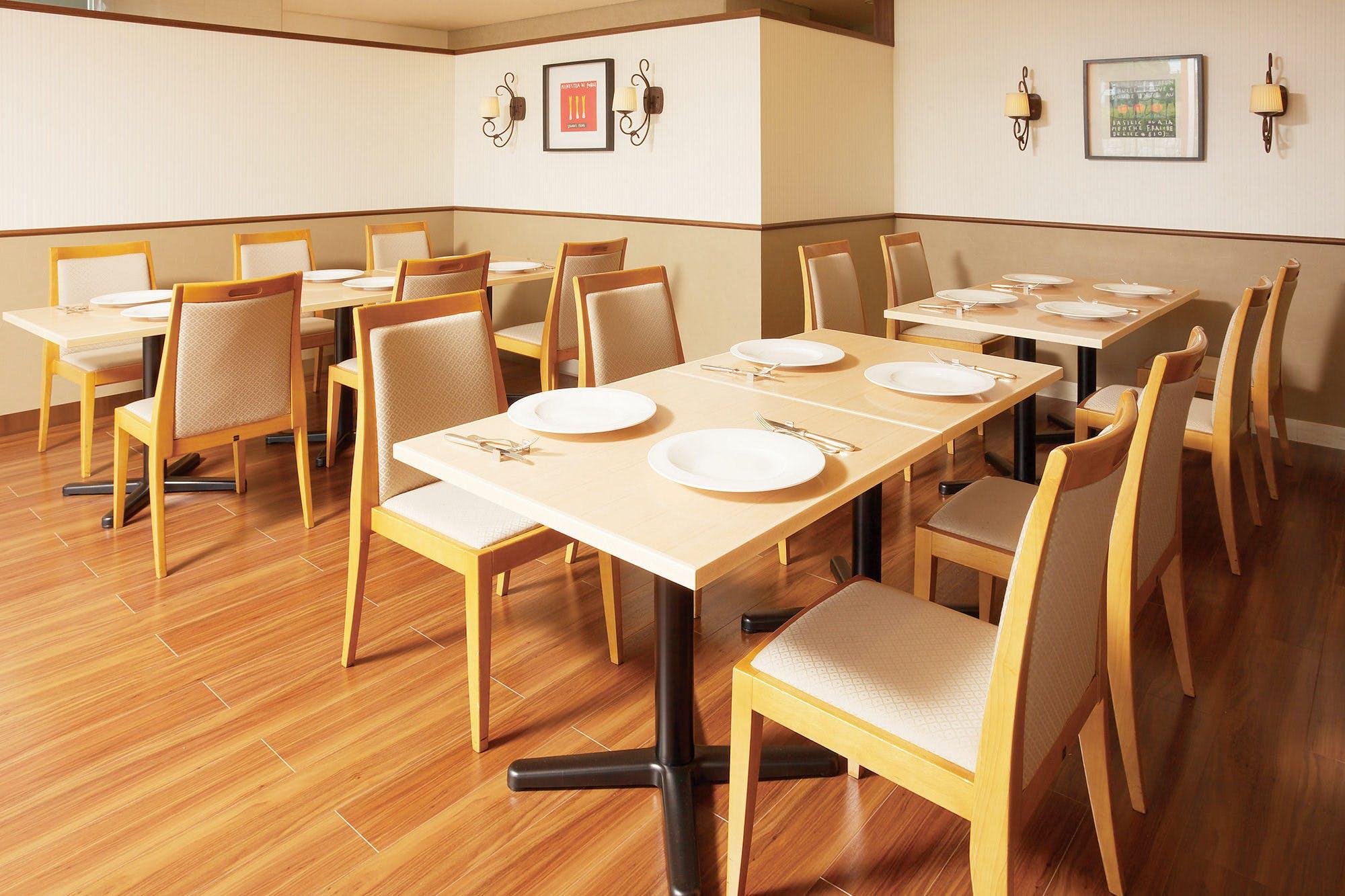 バイキングレストラン ヴェルデ/ホテル阪急エキスポパーク