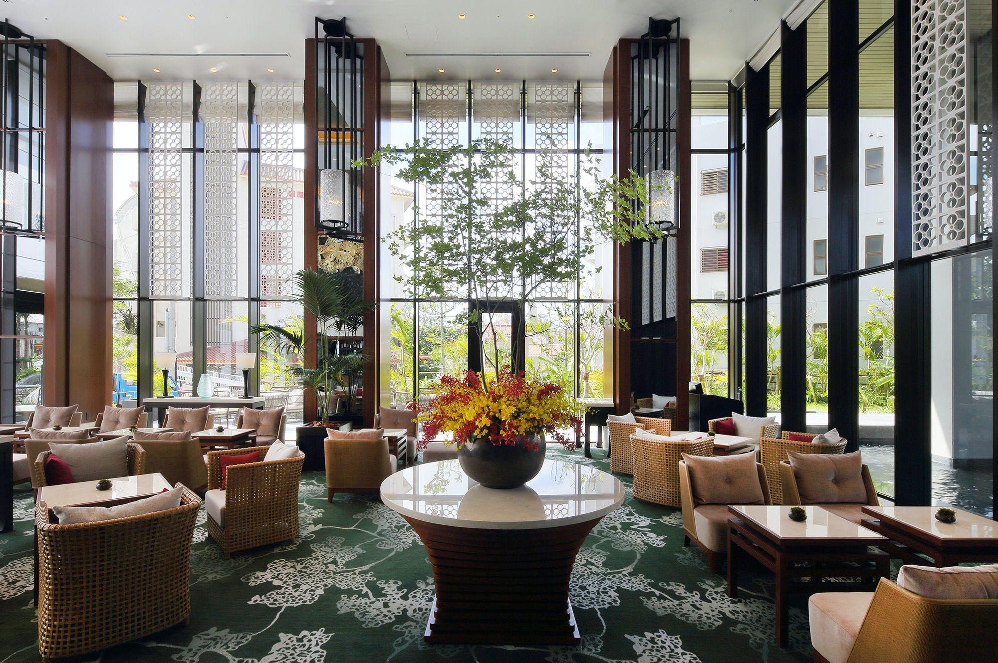 the lounge�^�n�C�A�b�g ���[�W�F���V�[ �ߔe ����