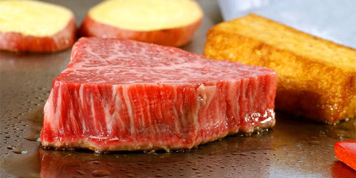 黒毛和牛ロース130gの鉄板焼ステーキ