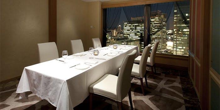 1位 フランス料理/個室予約可「フレンチレストラン フルーヴ」の写真2