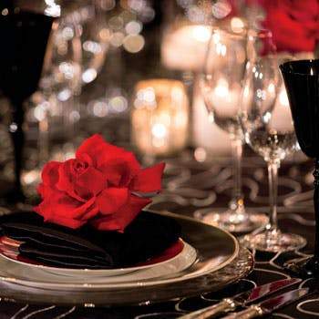 【バレンタイン】チョコレートのお土産&ストロベリーカクテル付!ディナーコース+デザートプレートを堪能