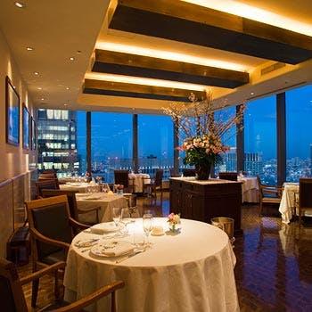 【丸ビルプレミアムレストラン】窓側確約&乾杯スパークリング付!お魚&お肉Wメイン東京の絶景と共に堪能
