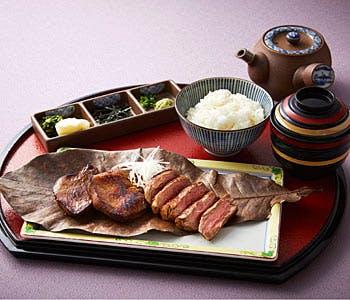 【ホテル最上階!東京タワー側席確約】牛タンとヒレステーキ2種を味わう贅沢ランチ!鉄板焼きで愉しむ全5品