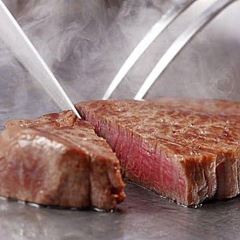 【鉄板ランチ】 鉄板で仕上げる温サラダに黒毛和牛が100g 至高の鉄板 8,800円