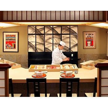 【至高のランチ】旬の食材をふんだんに使用した本格会席、〆は鮨!昼から贅沢プラン