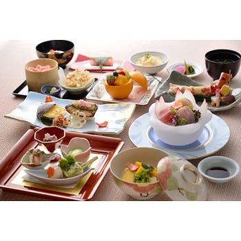 【タイムセール】本格会席料理+スパークリングワイン1杯付 20240円→12000円