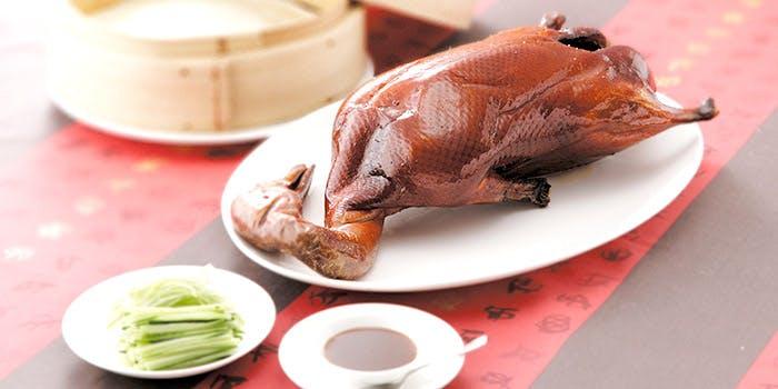 北京ダックと皮、キュウリ、味噌