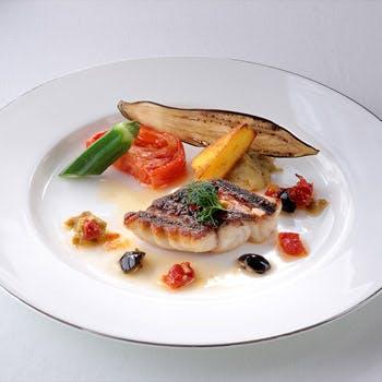 【一休限定】1ドリンク付!前菜、魚料理、肉料理、デザート盛りなど全6品豪華なランチコース!