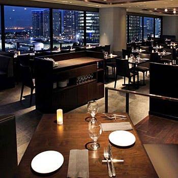 【Xmas2017】乾杯モエロゼ付×オーシャンビュー席!横浜の夜景を眺めながら素敵なひと時を!豪華全6品