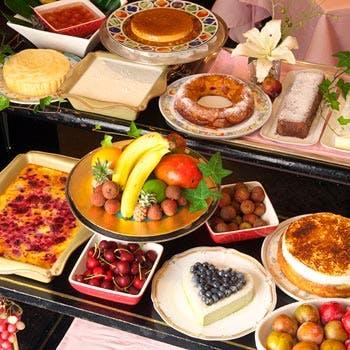 【乾杯酒付】代官山の花が彩るレストランで、選べる前菜,メインや10種からお好きだなけ選べるデザートなど
