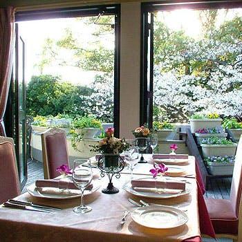 【桜が見える席確約】完全個室×乾杯シャンパン付!神戸北野の一軒家レストランでお花見ランチ