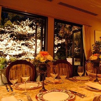 【桜が見える席確約】フリードリンク付!神戸北野の一軒家レストランでオマール海老、牛フィレ肉など全6品