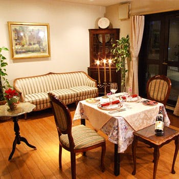 平日限定!人気のVIP個室をカップルで貸切プラン(個室、花束、フリードリンク付)