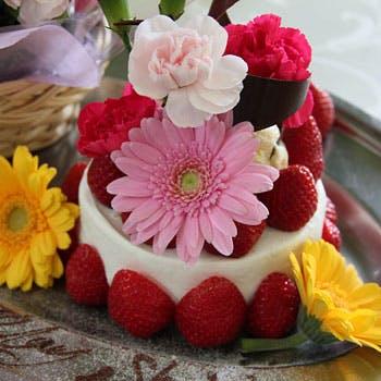 【記念日】乾杯シャンパン&メッセージ添えフラワーケーキ&BOXフラワー付!想い出に残るひと時を...