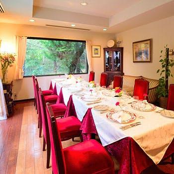 【飲み放題×個室確約】神戸北野の一軒家フレンチレストランでオマール海老、特選牛フィレ肉など全6品