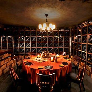 個室確約 プライベートワインセラー「ザ・セラー」で、フランス各地方の郷土料理を。