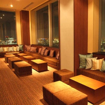 【夜景確約】地上47階個室貸切フリードリンク&豪華ブッフェ スカイラウンジパーティープラン6800円