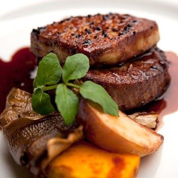 【タイムセール】乾杯ドリンク付!牛肉とフォワグラやオマール海老のWメイン!パスタ,前菜3種など全7品
