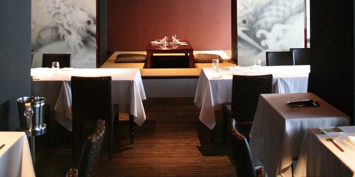 記念日コースが予約できる、デザイナーズホテル内にある「ブロンロネリ」の写真2