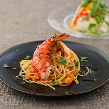 """全4品 """"PLEASURE"""" オマール海老のスパゲッティと、種類豊富な選べる前菜&メイン! 一休限定1ドリンク付"""