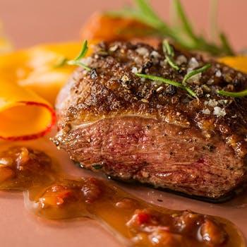 【乾杯スパークリング付】接待や記念日に!選べる肉料理を含む肉&魚のWメインやワゴンデザートなど全6品