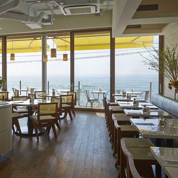 海を一望できる店内で・・・ ディナー席のみプラン