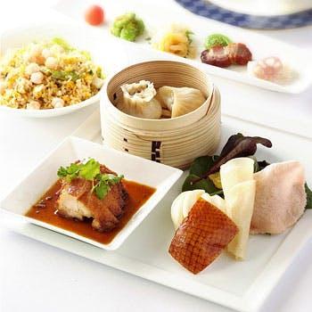 王道の逸品をご堪能!飲茶2品、北京ダック、春野菜のスープそばなどをお愉しみいただける王道ランチ