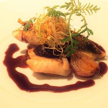 【平日限定食前酒付き Menu Nicoise】お手軽に楽しめるランチコース メインは旬の魚料理!お一人様4,158円