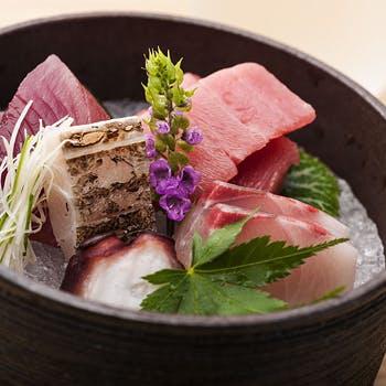 【個室確約】3,240円→特別料金2,980円!旬の食材を堪能!天ぷら・お造り・焼き魚など全7品のさくら御膳