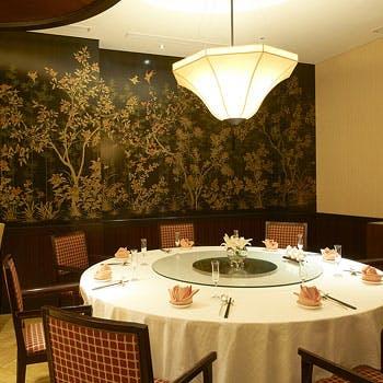 【個室確約】乾杯生ビール付!ふかひれスープや海老のチリソース煮、五目入り炒飯など人気の中国料理全7品