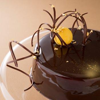 【記念日プラン】18,770円→9,500円 シャンパーニュ&特製ケーキ付!静寂に包まれた森の隠れ家でお祝いを