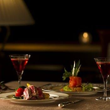 【記念日】窓席!ホールケーキ&グラスシャンパン付!魚料理、牛肉のグリル、デザートなど全5品コース!