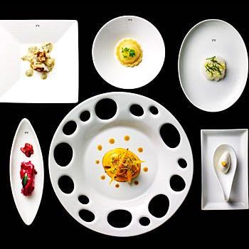 【グラスワイン1杯付】贅沢な空間で3つ星シェフがお届けする目にも鮮やかな豪華ディナー全5品を堪能